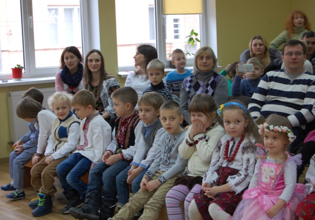 Свято Миколая 2016 у пташат станиці Івано-Франківськ