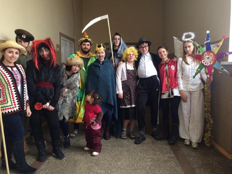 21 січня буковинські пластуни створили різдвяну казку для дітей-переселенців.