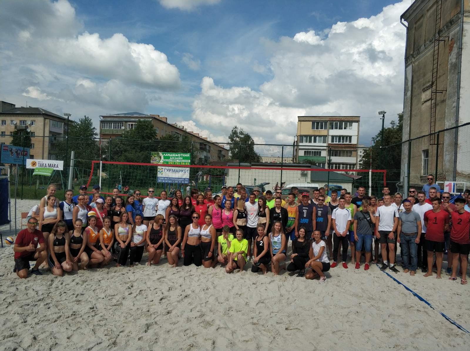 Калиняки виступили співорганізаторами туру чемпіонату України з пляжного волейболу
